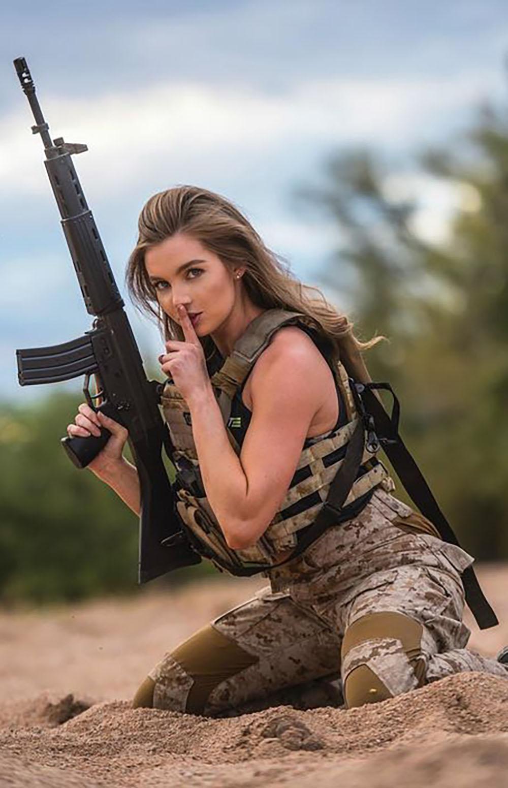 Gilrs and gun military