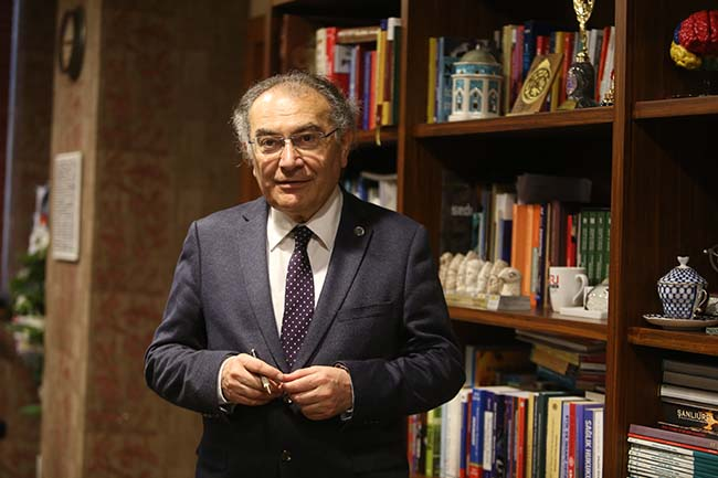 """Prof. Dr. Nevzat Tarhan """"Depreme karşı tedbiri elden bırakmamalıyız"""""""