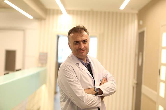 """Doç. Dr. Barış Metin """"Covid-19 beyin tutulumuna yol açıyor"""""""