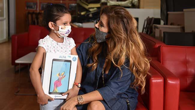 """""""Askıda Tablet"""" kampanyasına Aslı Hünel'den anlamlı destek"""