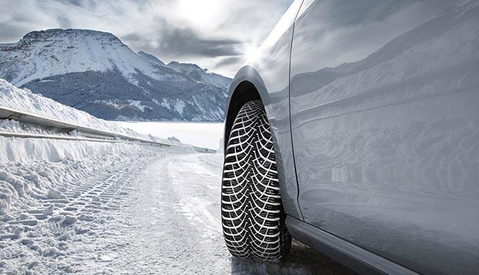 Karlı havada güvenli sürüş için altın değerinde öneriler