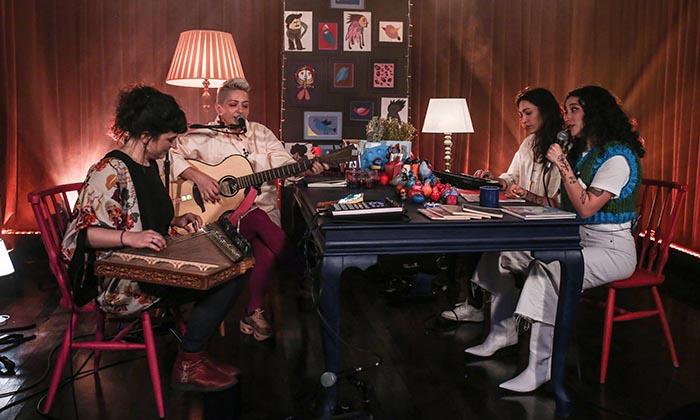 """Gülinler ile """"Bir Masada Oturduk""""   yeni bölümünde Melike Şahin'i ağırlıyor"""